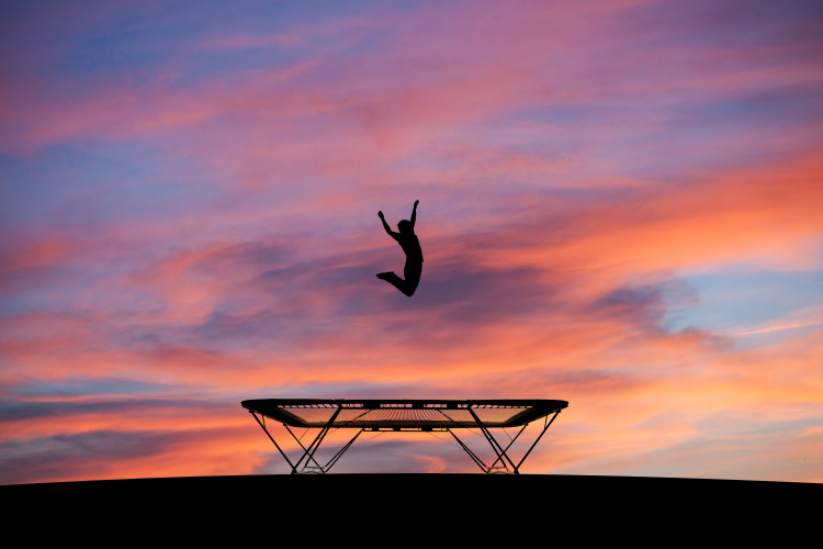Mega solidna trampolina – historia prawdziwa